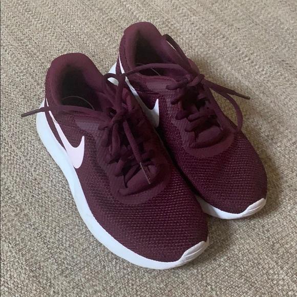 burgundy nike tennis shoes Shop